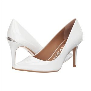 Calvin Klein | *FLAW Gayle Pointed Patent Pump